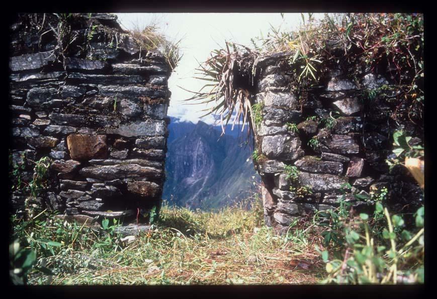 Inca building at Llactapata facing Machu Picchu